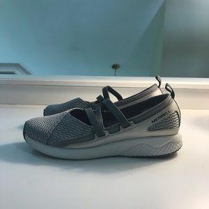 Merrill Women's Size 9 Athletic Shoe
